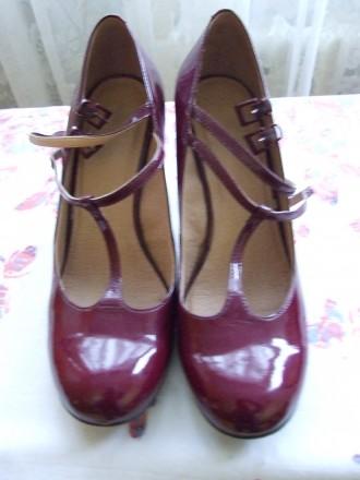 Пять пар женских туфель. В отличном состоянии.Один раз одевались. Красные и борд. Сумы, Сумская область. фото 7