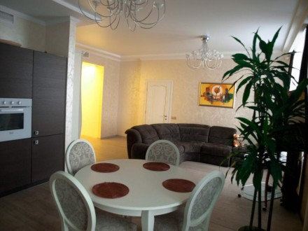 Предлагается в аренду красивая квартира по ул. Драгомирова. Киев. фото 1