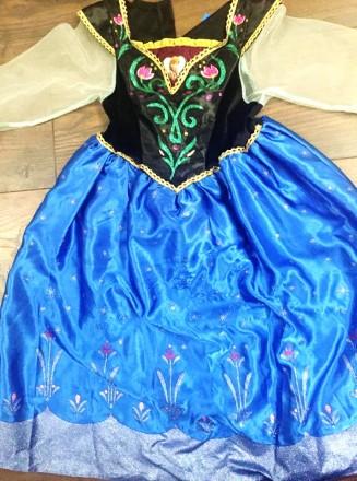 нарядное синее платье на 5-6 лет длина 77см, до талии 25см, талия 56см, на резин. Киев, Киевская область. фото 3