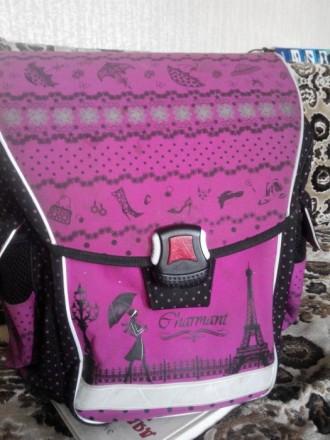 Продам рюкзак для девочки.Подойдет с 1 по 5 класс.Фирменный.Ортопедическая спинк. Славянск, Донецкая область. фото 3