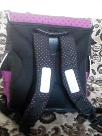 Продам рюкзак для девочки.Подойдет с 1 по 5 класс.Фирменный.Ортопедическая спинк. Славянск, Донецкая область. фото 5