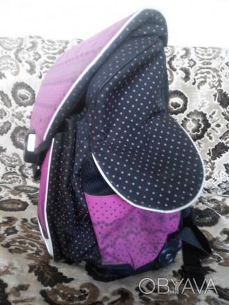 Продам рюкзак для девочки.Подойдет с 1 по 5 класс.Фирменный.Ортопедическая спинк. Славянск, Донецкая область. фото 1
