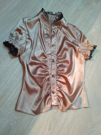 Продам атласную блузку в идеальном состоянии. Кропивницкий. фото 1