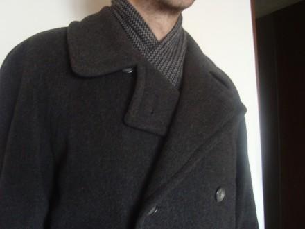 продам теплое пальто теплая натуральная ткань (100% wool)  внутри теплая, груб. Ровно, Ровненская область. фото 3