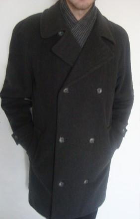 продам теплое пальто теплая натуральная ткань (100% wool)  внутри теплая, груб. Ровно, Ровненская область. фото 4