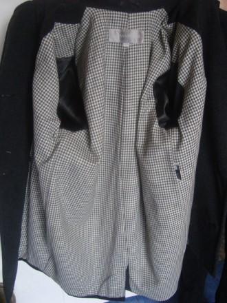 продам теплое пальто теплая натуральная ткань (100% wool)  внутри теплая, груб. Ровно, Ровненская область. фото 6