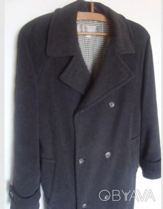 продам теплое пальто теплая натуральная ткань (100% wool)  внутри теплая, груб. Ровно, Ровненская область. фото 1
