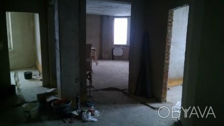 Квартира в новобудові стяжка-штукатурка,лоджія,гардеробна,круглий зал,вікна-фірм. 33 микрорайон, Луцк, Волынская область. фото 1