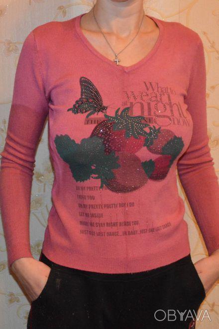 Продам легкий свитерок с V-образным вырезом, размер 42. Длина – 55,5 см, длина . Нежин, Черниговская область. фото 1
