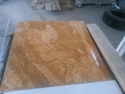 Десять миллиметров толщина мраморной плитки на метро Петровка. Киев. фото 1