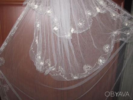 Продам свадебную фату Фата в хорошем состоянии. Очень красивая. Одевалась один р. Чернигов, Черниговская область. фото 3