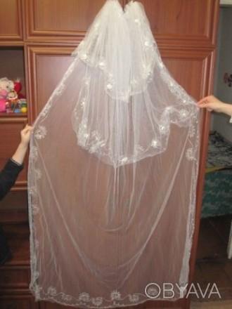 Продам свадебную фату Фата в хорошем состоянии. Очень красивая. Одевалась один р. Чернигов, Черниговская область. фото 6