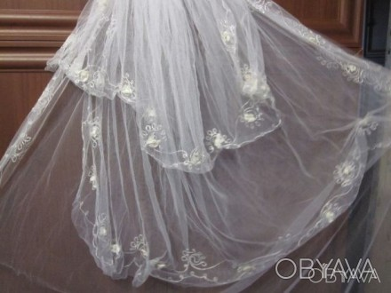 Продам свадебную фату Фата в хорошем состоянии. Очень красивая. Одевалась один р. Чернигов, Черниговская область. фото 1