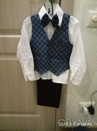 Продам костюм-тройку  на 2-3 годика(брюки, рубашка, жилет). Длина рукава рубашки. Одесса, Одесская область. фото 1