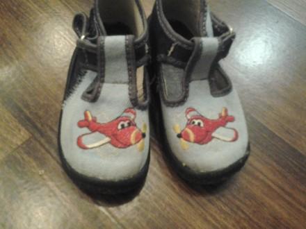 детская обувь на мальчика и девочку, после одного ребёнка, почти новая. На сапож. Кривой Рог, Днепропетровская область. фото 4
