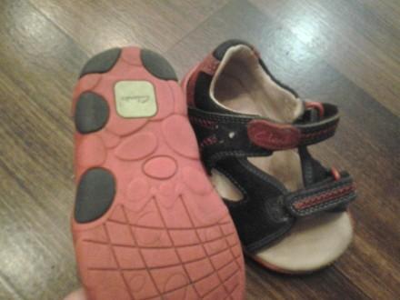детская обувь на мальчика и девочку, после одного ребёнка, почти новая. На сапож. Кривой Рог, Днепропетровская область. фото 5