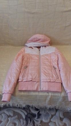 Куртка весняна персикового кольору з капішоном, на замку, стан майже нової.Довжи. Тернополь, Тернопольская область. фото 4