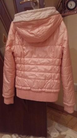 Куртка весняна персикового кольору з капішоном, на замку, стан майже нової.Довжи. Тернополь, Тернопольская область. фото 3