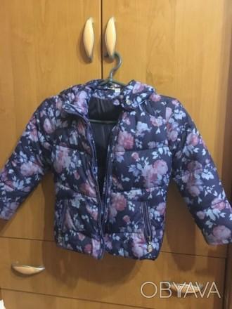 Курточка приталенная, на худенькую девочку. Подойдёт на ребёнка ростом от 98 до . Запорожье, Запорожская область. фото 1