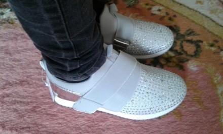 Очень   стильные   кроссы, модные, легкие и удобные.       Подойдут как и повсе. Киев, Киевская область. фото 5