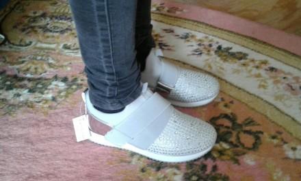 Очень   стильные   кроссы, модные, легкие и удобные.       Подойдут как и повсе. Киев, Киевская область. фото 4