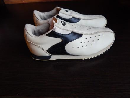 Кожаные кроссовки 32-й размер, кожа. Чернигов. фото 1