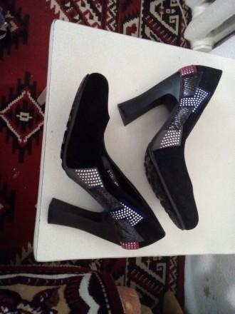 Новые туфли,хорошее качество, очень удобные, размер 37.если будут вопросы, пишит. Чернигов, Черниговская область. фото 4