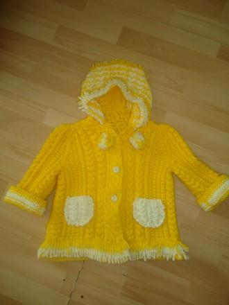 Теплый свитер с капюшоном и карманами на рост 92-98-104. Яворов. фото 1