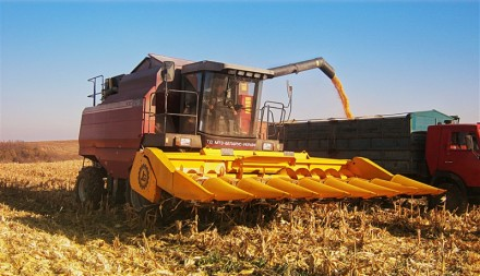 Жатка предназначена для отделения початков кукурузы, сбора и дальнейшего измельч. Бердянск, Запорожская область. фото 2