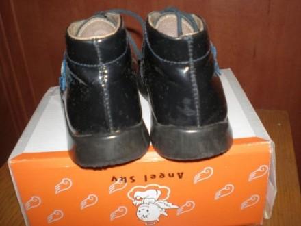 Кожаные черные лакированные ботиночки. Размер 25. Внутри кожа. И туфельки лакиро. Чернигов, Черниговская область. фото 5