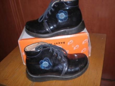 Кожаные черные лакированные ботиночки. Размер 25. Внутри кожа. И туфельки лакиро. Чернигов, Черниговская область. фото 6
