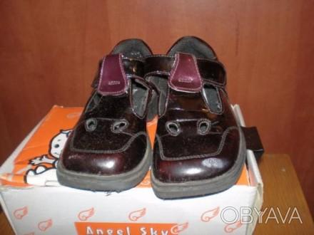 Кожаные черные лакированные ботиночки. Размер 25. Внутри кожа. И туфельки лакиро. Чернигов, Черниговская область. фото 1