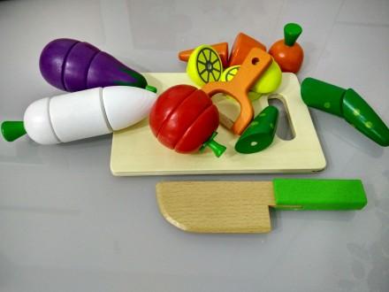 Деревянные овощи и фрукты на магнитах. Киев. фото 1