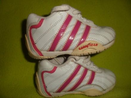 Детские кроссовки ADIDAS Оригинал 19 р. Длина стельки 13 см. Полтава. фото 1