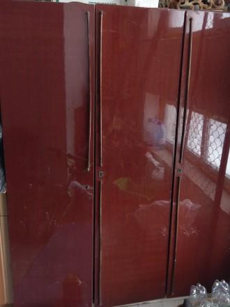 Шкаф трехстворчатый. Чугуев. фото 1
