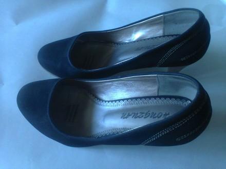 Продаются женские замшевые туфли черного цвета. Николаев. фото 1