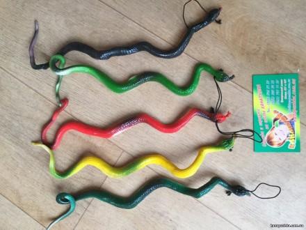 Змея резиновое животное/ Змія гумова. Чернигов. фото 1