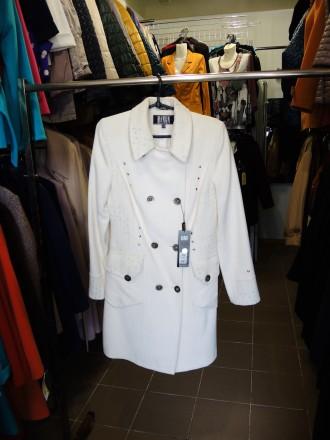 Проводится распродажа верхней женской одежды , весна,осень.. Южноукраинск. фото 1