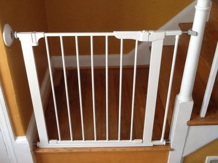 Детский барьер на лестницу Baby dan Premier 73,5-93,3 см белый. Киев. фото 1