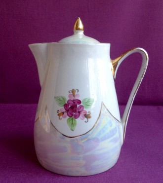 Чайник *Фиалка*. Фарфор.. Одесса. фото 1