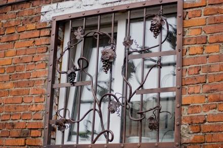 Наше предприятие изготовит любые решетки на окно под ваш размер.Выезд мастера на. Кривой Рог, Днепропетровская область. фото 2