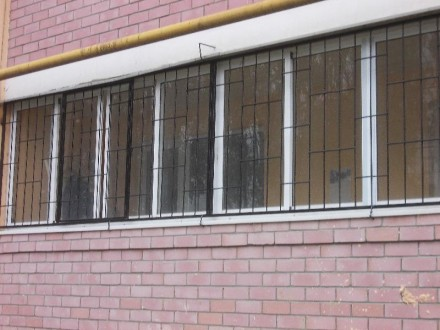 Наше предприятие изготовит любые решетки на окна и балкон под ваш размер.Выезд м. Кривой Рог, Днепропетровская область. фото 3