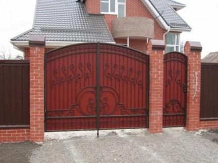 Въездные ворота с элементами ковки. Кривой Рог. фото 1