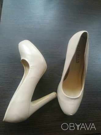 Жіночі бежеві туфлі .Стан хороший.Дуже гарно сидять на ніжці.. Хмельницкий, Хмельницкая область. фото 1