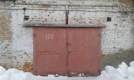 Кирпичный гараж с железными воротами, 40м2, район Градецкого. Чернигов. фото 1
