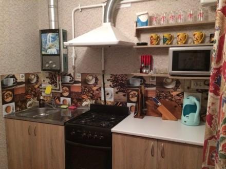 1 комнатная в центре Новая Каховка. 4 отдельных спальных места. Постель, посуда,. Новая Каховка, Новая Каховка, Херсонская область. фото 2