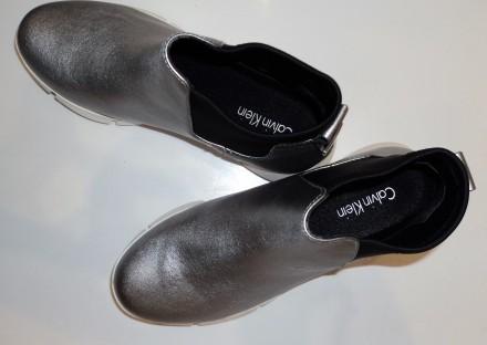 Серебристые кожаные демисезонные ботинки calvin klein. размеры 35-39. Киев. фото 1