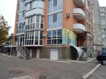 Сдам в аренду полуцокольное помещение в центре г. Чернигов, ул. Михнюка, 41. Чернигов. фото 1