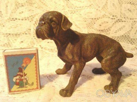 Бронзовая статуэтка собаки