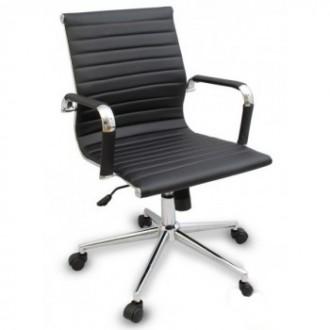 Кресло офисное, средняя спинка, сидение из прошитого кожзама, кресло вращается и. Киев, Киевская область. фото 5